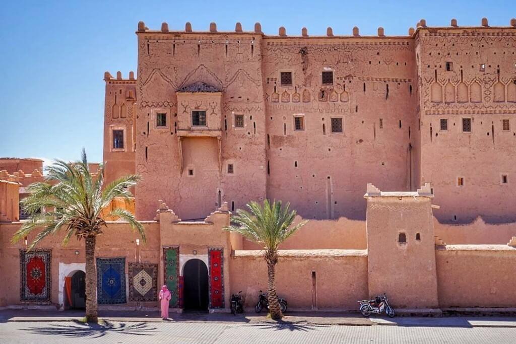 Mit einer Rundreise zu den Berber Burgen