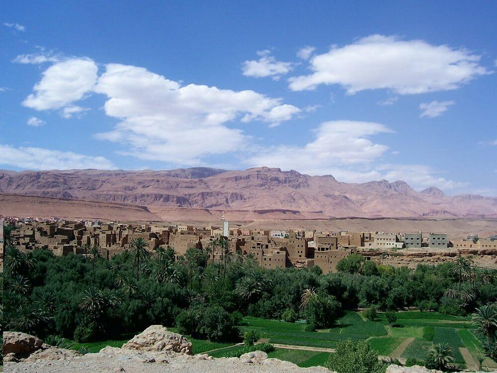 Mit dem Hotel in Marrakesch nach Boumalne de Dades an der Straße der 1000 Kasbahs