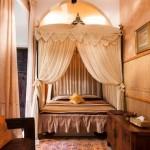Hotel in Marrakech Himmelbett im Zimmer Esperanza