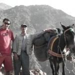 Mit dem Riad La Maison Nomade in Marrakesch mit Mulis in den Hohen Atlas