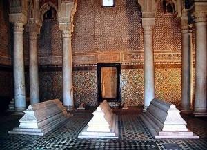 Mit dem Riad La Maison Nomade zu den Saadier Graeber im Kasbahviertel von Marrakech