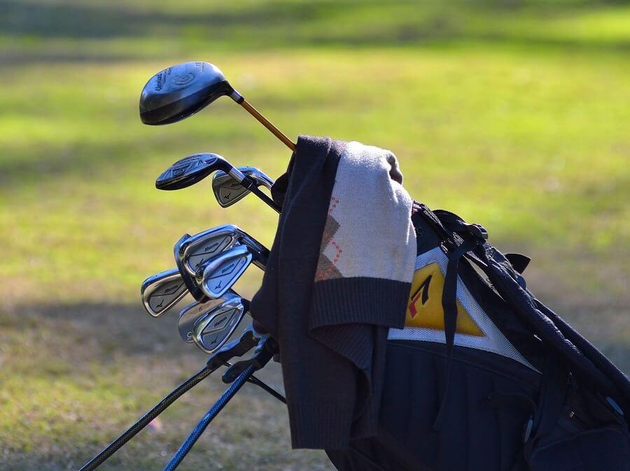 Ausrüstung für ein Golfmatch