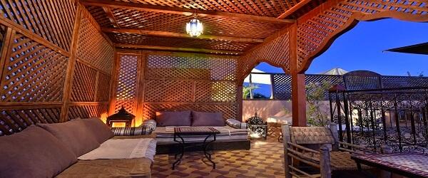 Detail der neuen Terrasse im Riad La Maison Nomade
