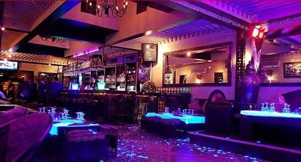 Lounge-Bar im Gueliz-Viertel von Marrakesch, ein Empfehlung vom Riad La Maison Nomade