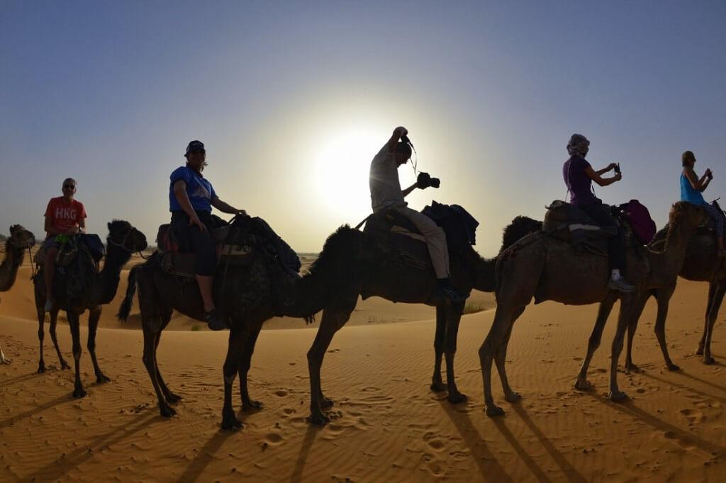 Mit dem Riad La Maison Nomade auf  Dromedaren in das Wüstenbiwak