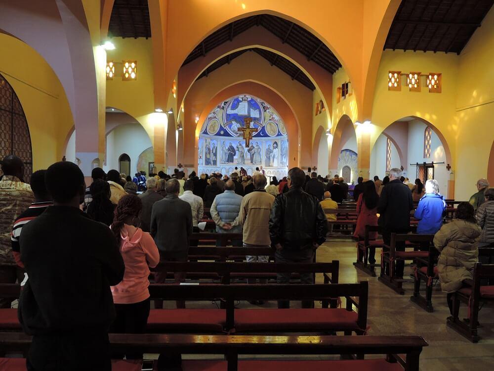 Sonntagsmesse in der katholischen Kirche von Marrakesch