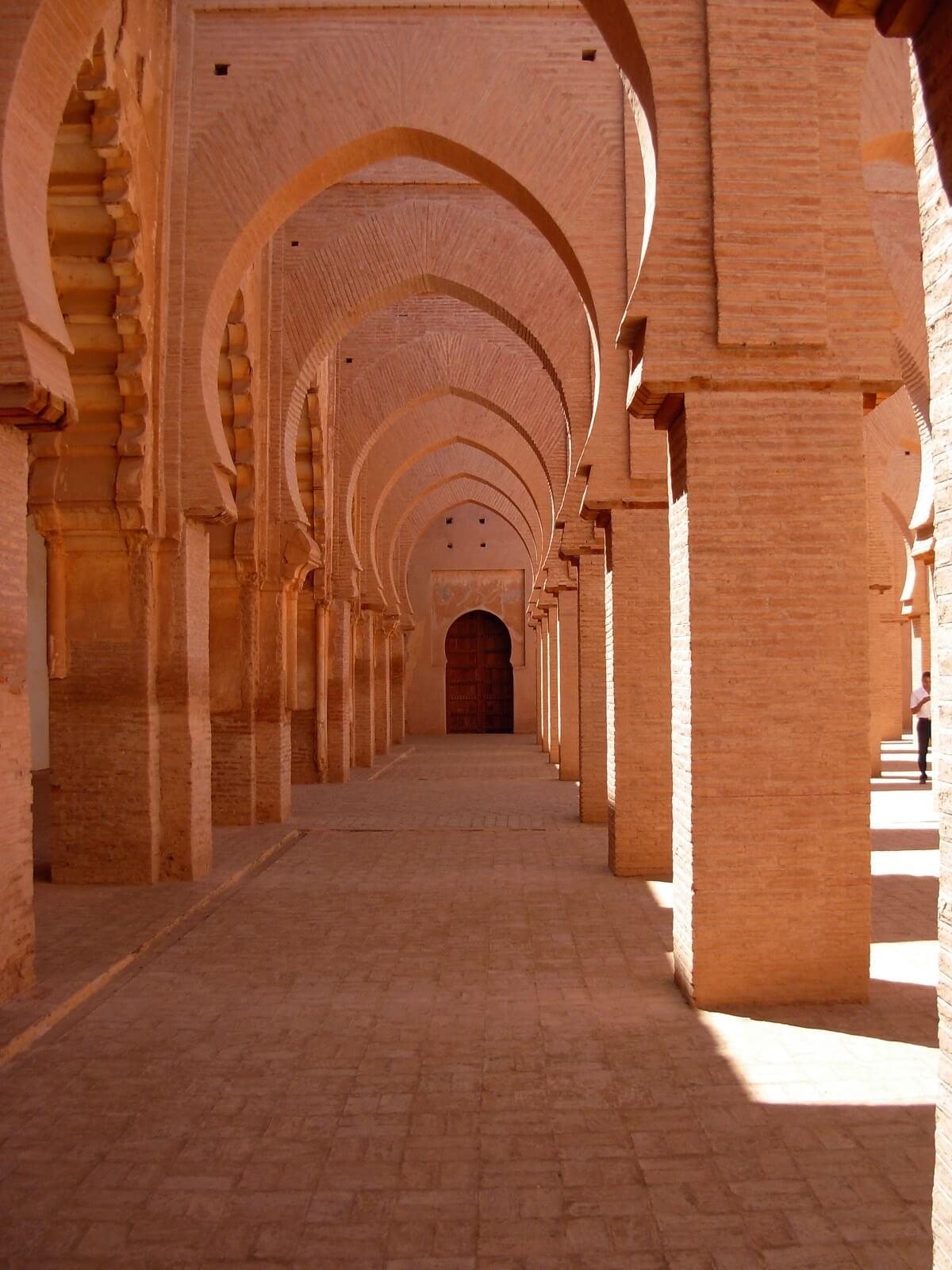 Auf der Rundreisen-Strecke nach Taroudant, die Moschee Tinmal