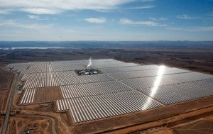 Sonnenkraftwerk in Marokko bei Ouarzazate