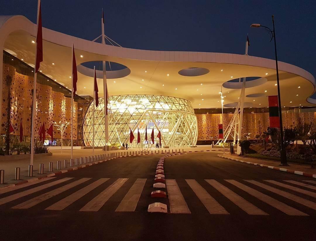 Neuer Menara Flughafen Marrakesch bei Nacht