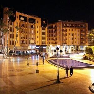 Mit dem Riad La Maison Nomade in die Neustadt von Marrakesch zum Platz des 16. November in Gueliz