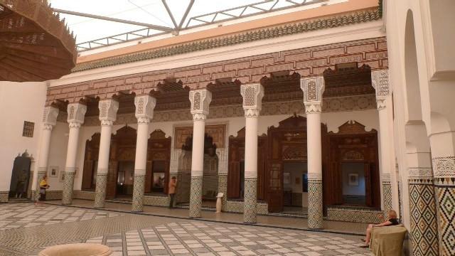 marrakech museum in der medina von marrakesch