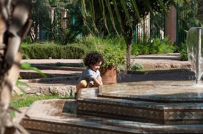 Eine Pause einlegen im Harti Park in der Neustadt von Marrakesch