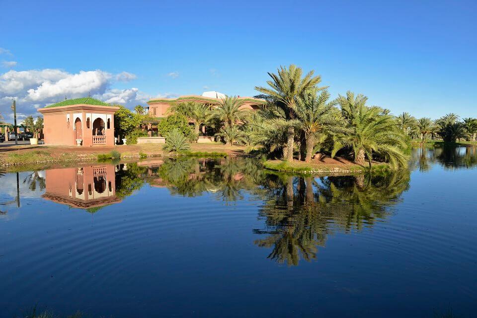 Golf spielen in Marrakesch mit dem Riad La Maison Nomade im Golfclub Amelkis