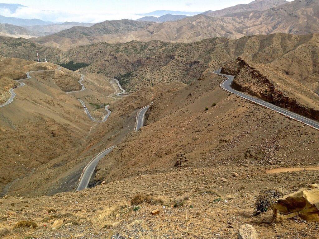 Straße zum Tischke-Pass mit einer Rundtour vom Riad La Maison Nomade in Marrakesch