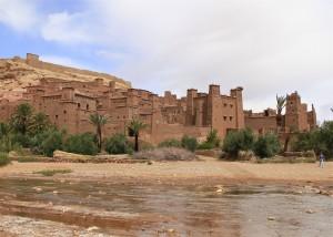Mit dem Riad La Maison Nomade vorbei an der Kasbah Ait Benhaddou in die Wüste Erg Chegaga