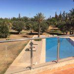 Villa mit Pool und Park