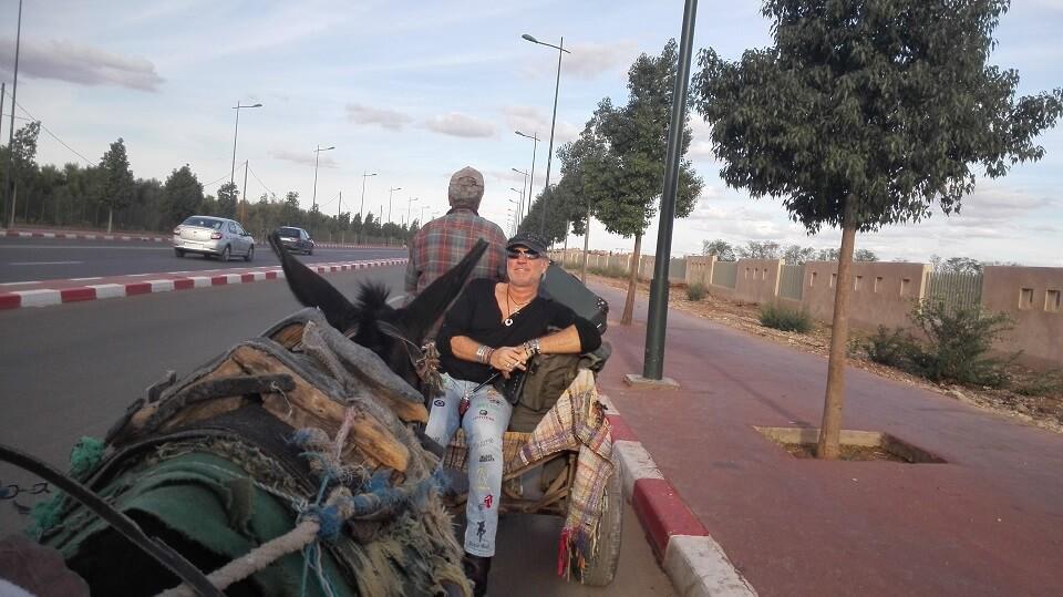 Mit dem Eselkarren vom Flughafen zum Riad La Maison Nomade in Marrakech