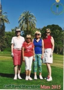 4 Frauen beim Golfen