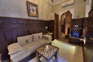 im Hotel La Maison Nomade in Marrakesch der Salon Zimmer Al Azraq