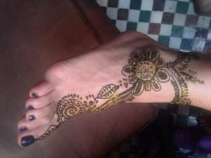 Fußhenna gemacht im Hotel La Maison Nomade in Marrakech