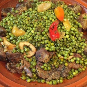 Lammtajine mit Erbsen, Kartoffeln im Riad La Maison Nomade in Marrakesch