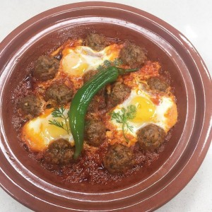 KEFTA - Hackfleischbällchen mit Spiegeleiern im Restaurant vom Riad La Maison Nomade in Marrakesch