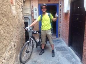 karl mit dem Fahrrad von Deutschland zum Riad La Maison Nomade in Marrakesch