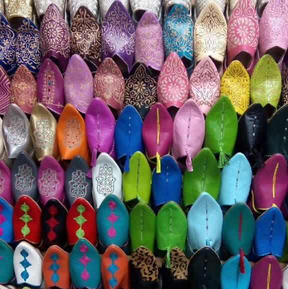 In der Straße der Schuhmacher im Souk von Marrakesch