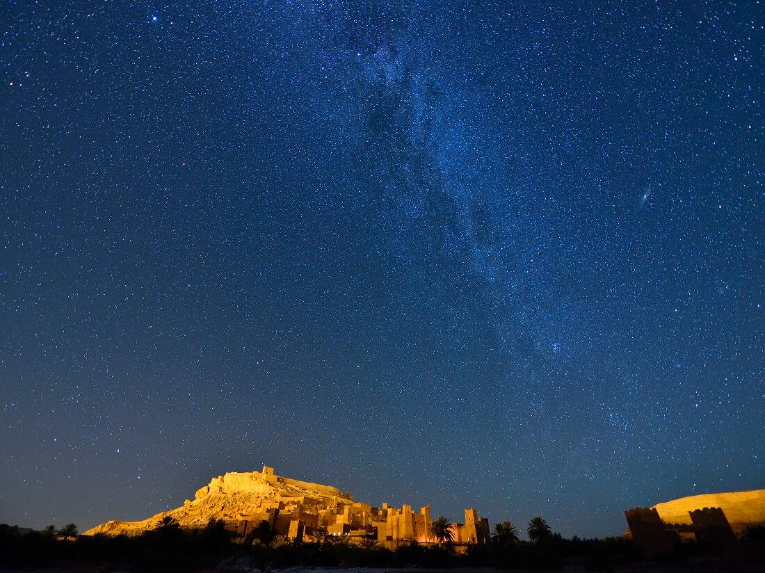 Die Milchstraße über der Kasbah Ait Benhaddou