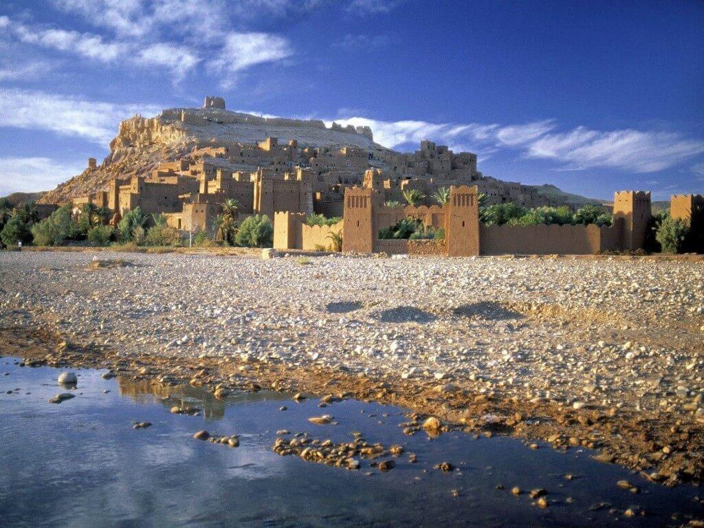 mit-dem-riad-la-maison-nomade-marrakech-zur-kasbah-ait-benhadou