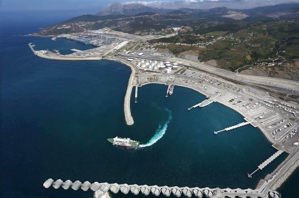 Der Übersee- und Containerhafen-tanger-med an der Mittelmeerküste