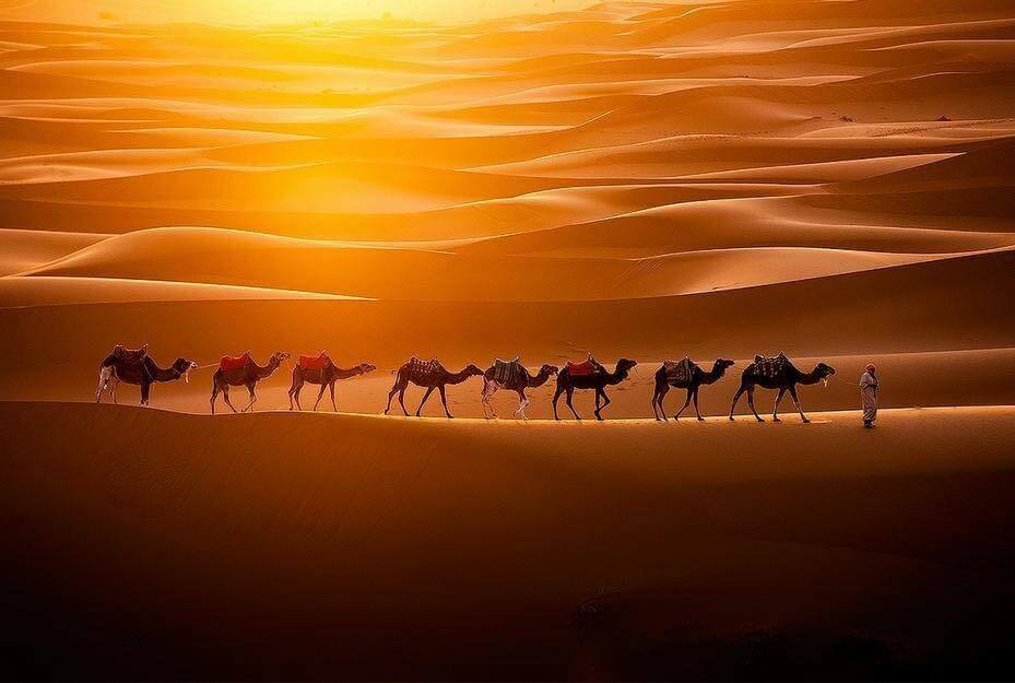 Mit dem Riad La Maison Nomade in die ockerfarbene Wueste von Marokko