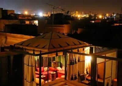 mar. Zelt auf der ersten Dachterrasse im Hotel La Maion Nomade Marrakesch